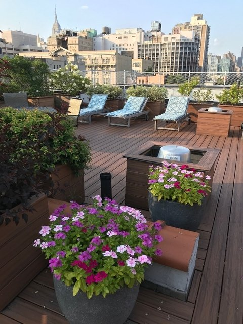 2 Bedrooms, East Village Rental in NYC for $3,590 - Photo 2