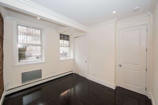 3 Bedrooms, Chelsea Rental in NYC for $5,083 - Photo 1