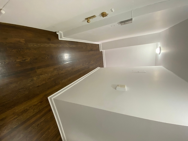 2 Bedrooms, Washington Heights Rental in NYC for $2,099 - Photo 2