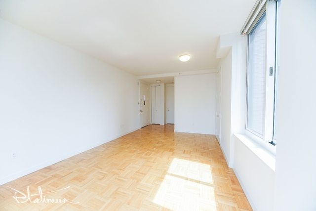 1 Bedroom, Financial District Rental in NYC for $3,593 - Photo 2