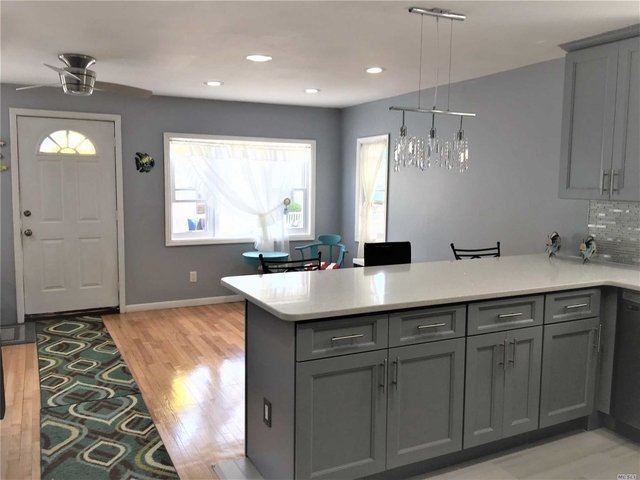 3 Bedrooms, West End Rental in Long Island, NY for $2,500 - Photo 2