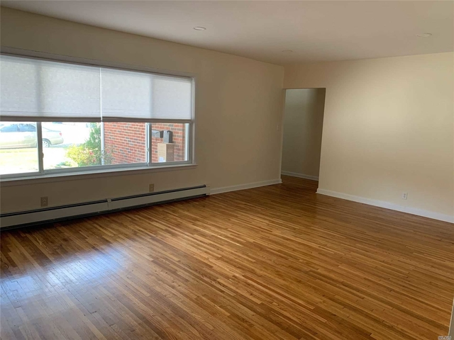 3 Bedrooms, East End South Rental in Long Island, NY for $3,600 - Photo 2