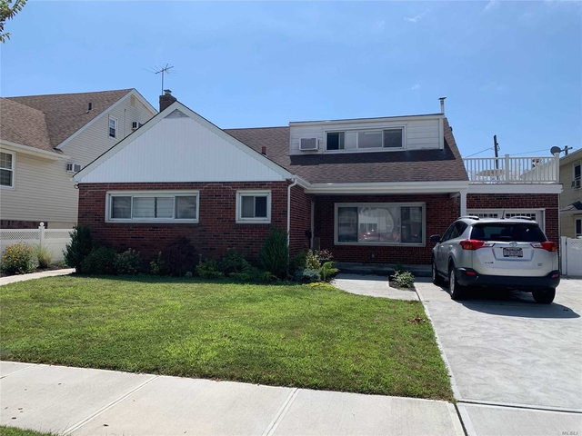3 Bedrooms, East End South Rental in Long Island, NY for $3,600 - Photo 1