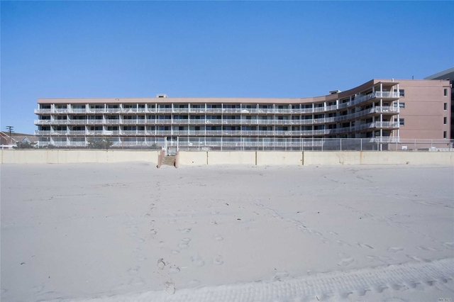 1 Bedroom, East End South Rental in Long Island, NY for $1,850 - Photo 2