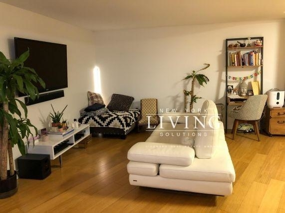 3 Bedrooms, Hell's Kitchen Rental in NYC for $8,333 - Photo 2