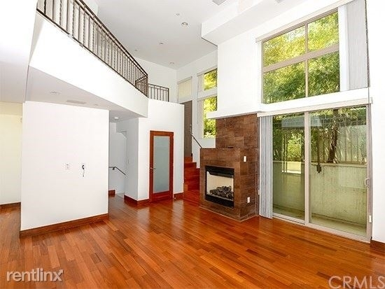 2 Bedrooms, Mid-City Rental in Los Angeles, CA for $4,995 - Photo 1