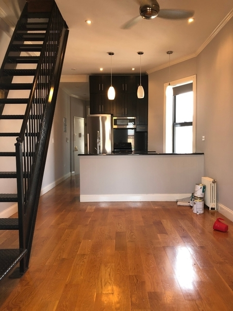 2 Bedrooms, Alphabet City Rental in NYC for $3,150 - Photo 1