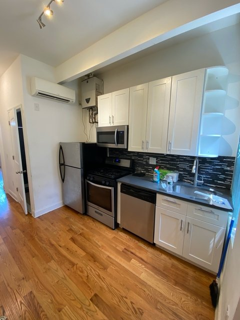 Room, Ridgewood Rental in NYC for $800 - Photo 1
