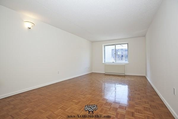 1 Bedroom, Battery Park City Rental in NYC for $2,979 - Photo 2