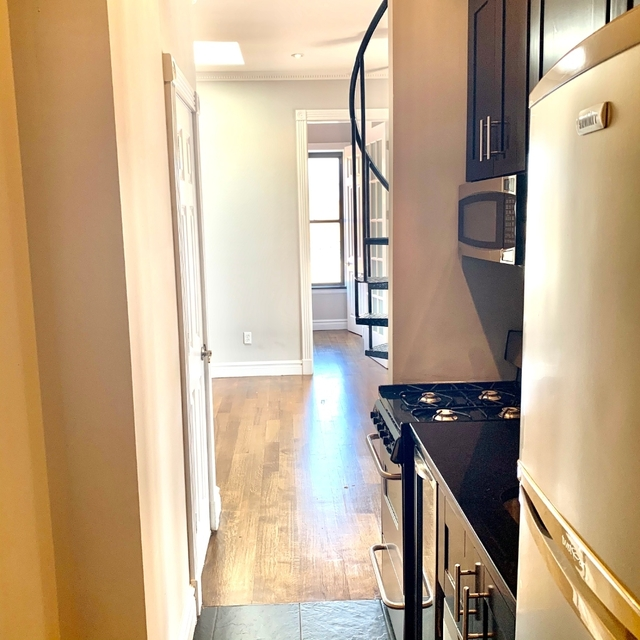 4 Bedrooms, Alphabet City Rental in NYC for $6,218 - Photo 2