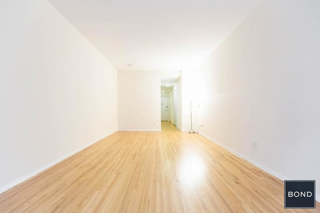 Studio, Hell's Kitchen Rental in NYC for $2,100 - Photo 2