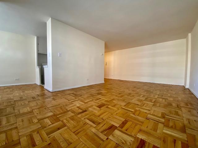 1 Bedroom, Rego Park Rental in NYC for $2,225 - Photo 2