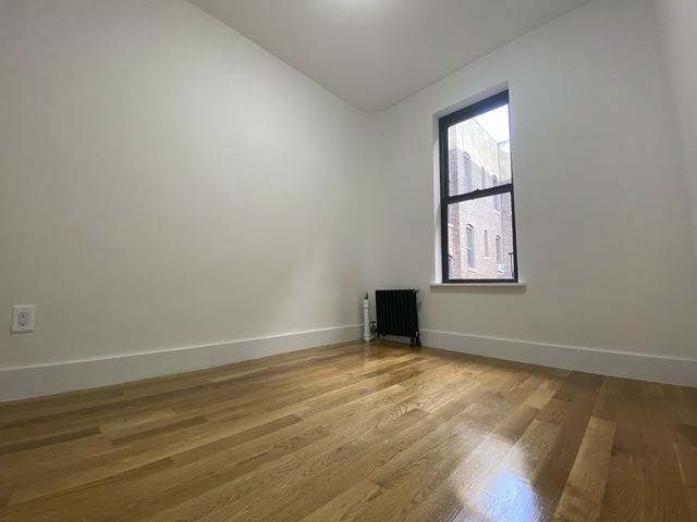3 Bedrooms, Chelsea Rental in NYC for $6,687 - Photo 2
