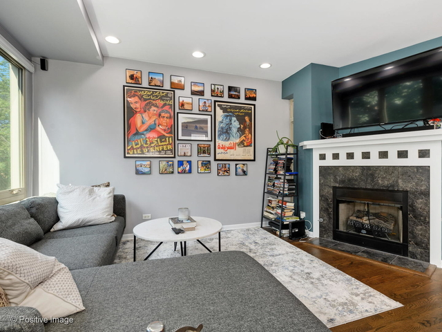 2 Bedrooms, Logan Square Rental in Chicago, IL for $2,250 - Photo 2