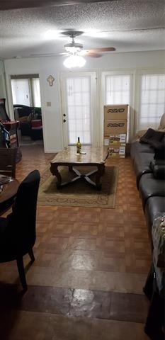2 Bedrooms, RANDCO Rental in Dallas for $1,250 - Photo 2