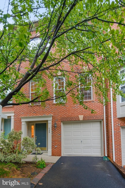 3 Bedrooms, London Park Apartments Rental in Washington, DC for $2,800 - Photo 1