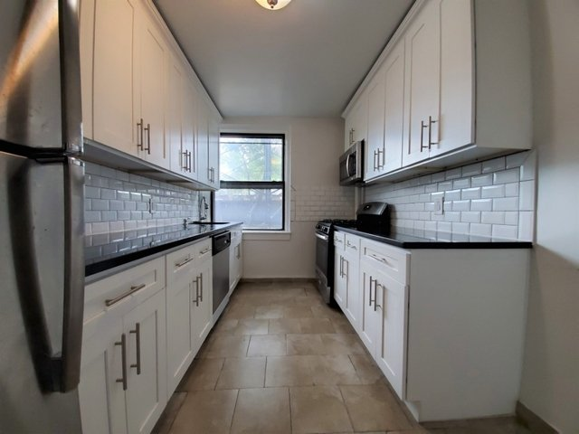 2 Bedrooms, Sunnyside Rental in NYC for $2,412 - Photo 1