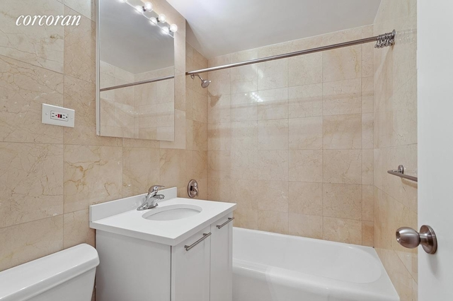 Studio, Sutton Place Rental in NYC for $2,635 - Photo 2