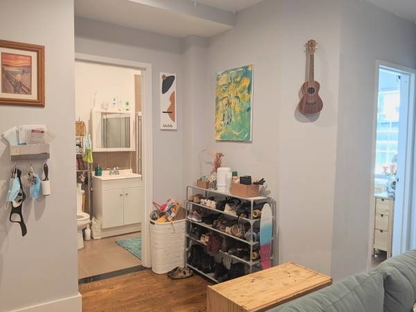 2 Bedrooms, East Williamsburg Rental in NYC for $2,842 - Photo 2