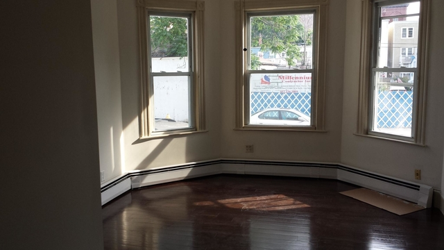 3 Bedrooms, Jeffries Point - Airport Rental in Boston, MA for $2,100 - Photo 1