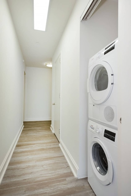 Studio, Financial District Rental in NYC for $2,157 - Photo 2
