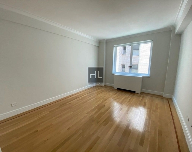 2 Bedrooms, Lenox Hill Rental in NYC for $7,000 - Photo 2