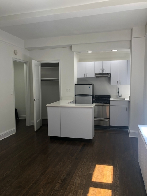 Studio, Turtle Bay Rental in NYC for $2,077 - Photo 2