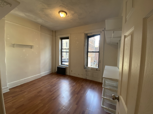 2 Bedrooms, Chinatown Rental in NYC for $2,800 - Photo 1