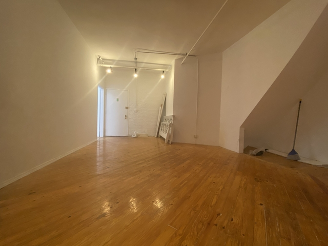 3 Bedrooms, Rose Hill Rental in NYC for $2,800 - Photo 1