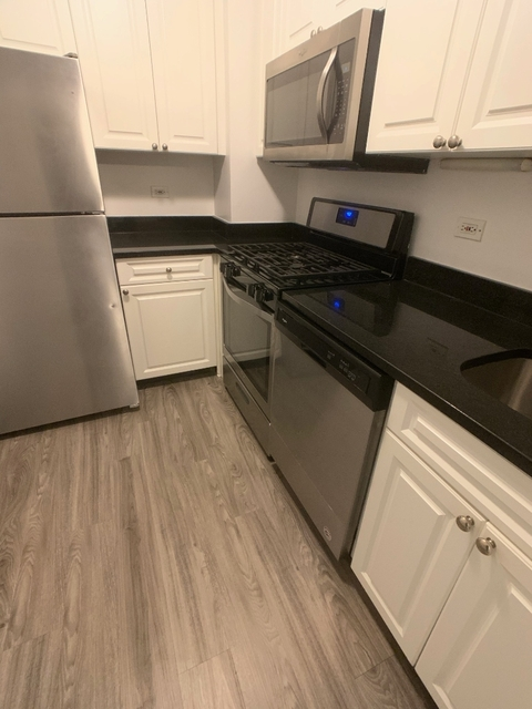 Studio, Yorkville Rental in NYC for $2,650 - Photo 2