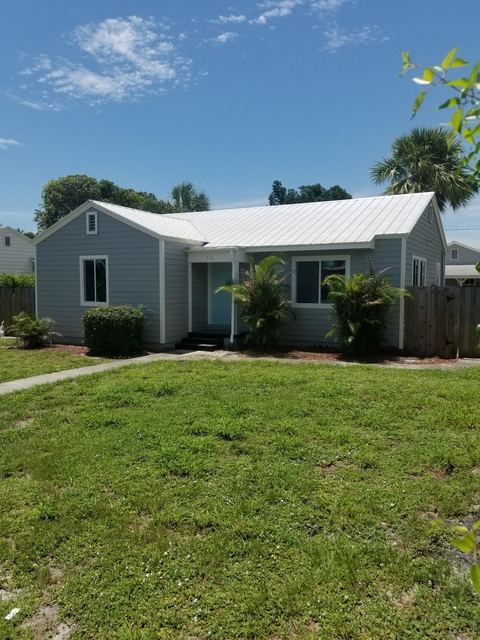 2 Bedrooms, Prospect Hills Rental in Miami, FL for $1,800 - Photo 1