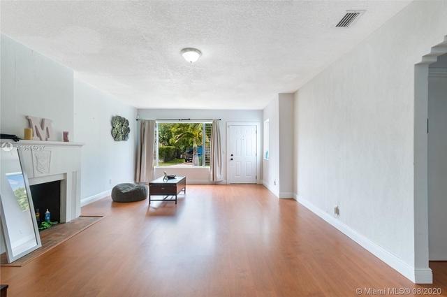 2 Bedrooms, South Bay Estates Rental in Miami, FL for $2,450 - Photo 2