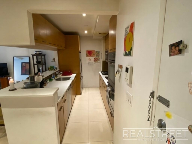 3 Bedrooms, Wingate Rental in NYC for $3,186 - Photo 2