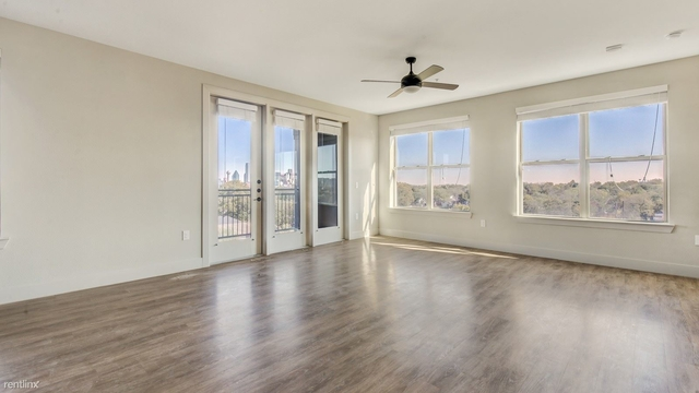 2 Bedrooms, Southwest Dallas Rental in Dallas for $2,121 - Photo 1