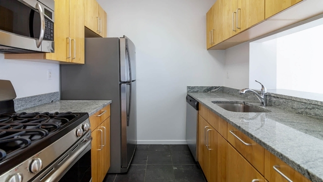 2 Bedrooms, Chelsea Rental in NYC for $5,738 - Photo 1