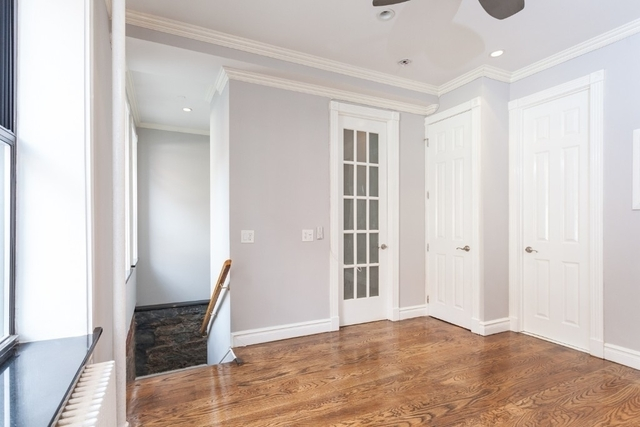 3 Bedrooms, Gramercy Park Rental in NYC for $4,163 - Photo 2