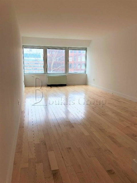 1 Bedroom, Financial District Rental in NYC for $3,167 - Photo 2