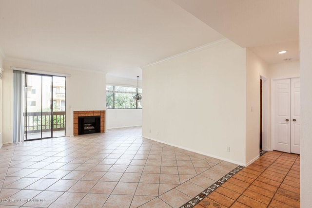 2 Bedrooms, Playhouse District Rental in Los Angeles, CA for $3,070 - Photo 2
