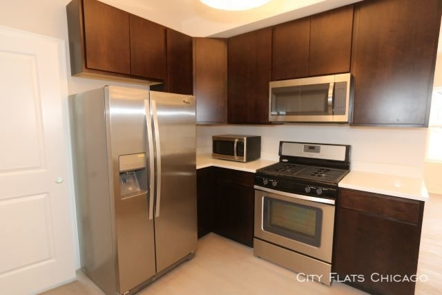 2 Bedrooms, North Center Rental in Chicago, IL for $2,000 - Photo 2