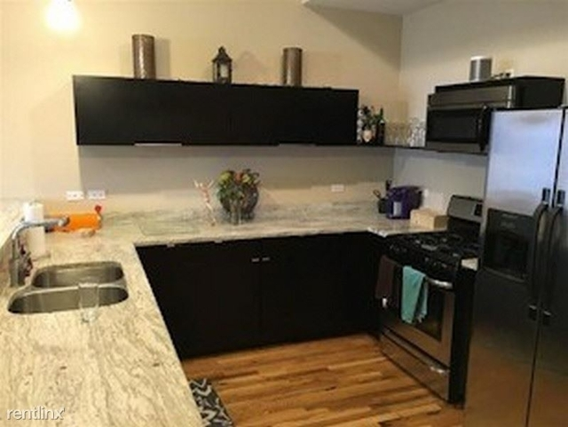 2 Bedrooms, Heart of Chicago Rental in Chicago, IL for $2,468 - Photo 2