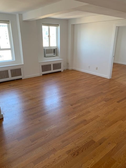 2 Bedrooms, Upper West Side Rental in NYC for $4,417 - Photo 2