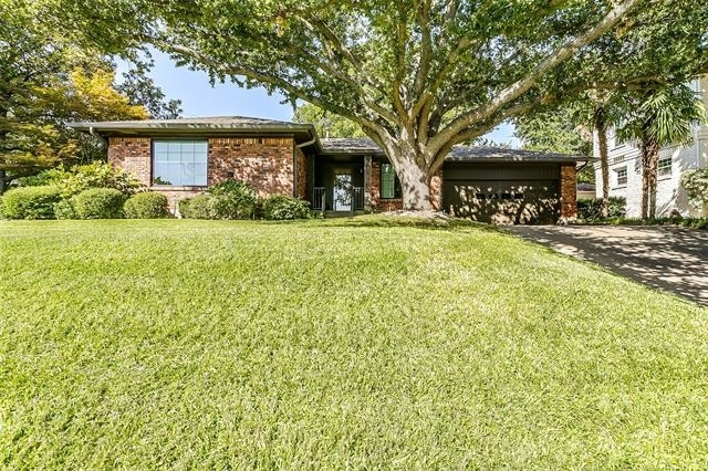3 Bedrooms, Park Hill Rental in Dallas for $2,500 - Photo 2