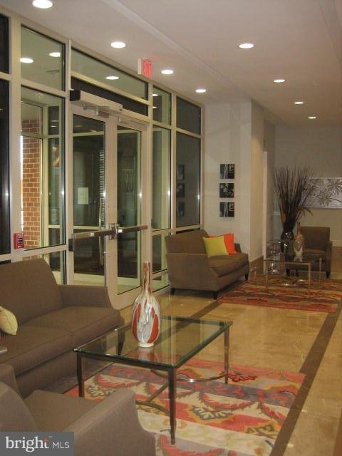 2 Bedrooms, Ballston - Virginia Square Rental in Washington, DC for $2,985 - Photo 2