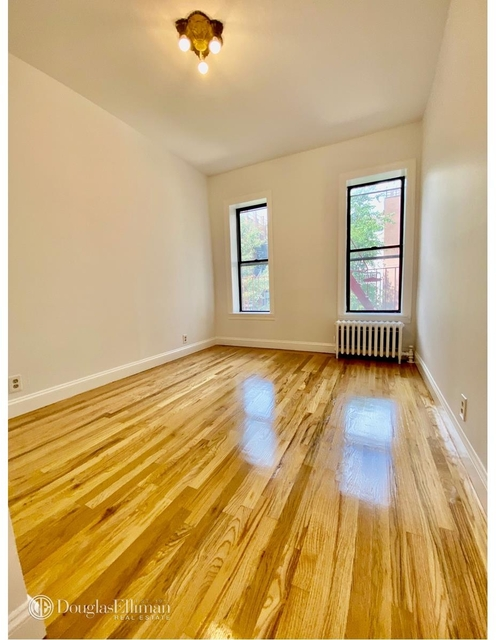 2 Bedrooms, Yorkville Rental in NYC for $2,400 - Photo 1