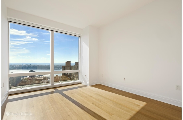 2 Bedrooms, Hell's Kitchen Rental in NYC for $12,000 - Photo 1