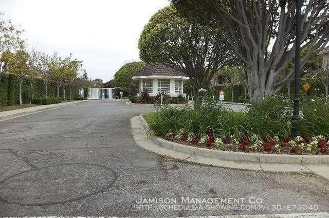 2 Bedrooms, Morningside Park Rental in Los Angeles, CA for $2,500 - Photo 1