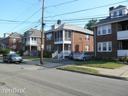 2 Bedrooms, Nonantum Rental in Boston, MA for $2,200 - Photo 2