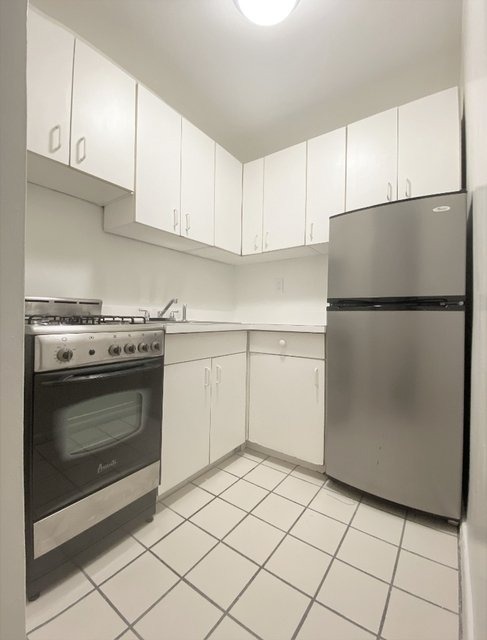 Studio, Murray Hill Rental in NYC for $2,035 - Photo 2