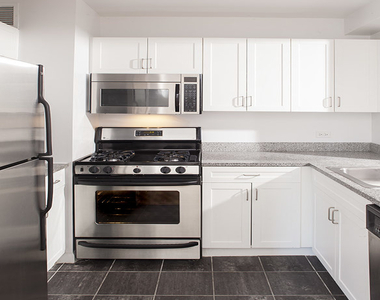 1 Bedroom, Civic Center Rental in NYC for $4,000 - Photo 2