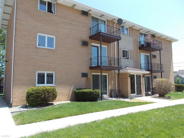 2 Bedrooms, Thornton Rental in Chicago, IL for $950 - Photo 2
